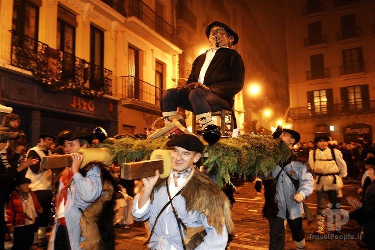 Olenzero una fiesta importada en navarra lo dice la for Oficina turismo pamplona
