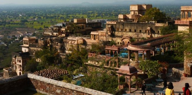 Neemrana_Fort-Palace