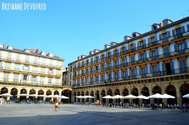 San-Sebastian-Plaza-de-la-Constitucion-640x423