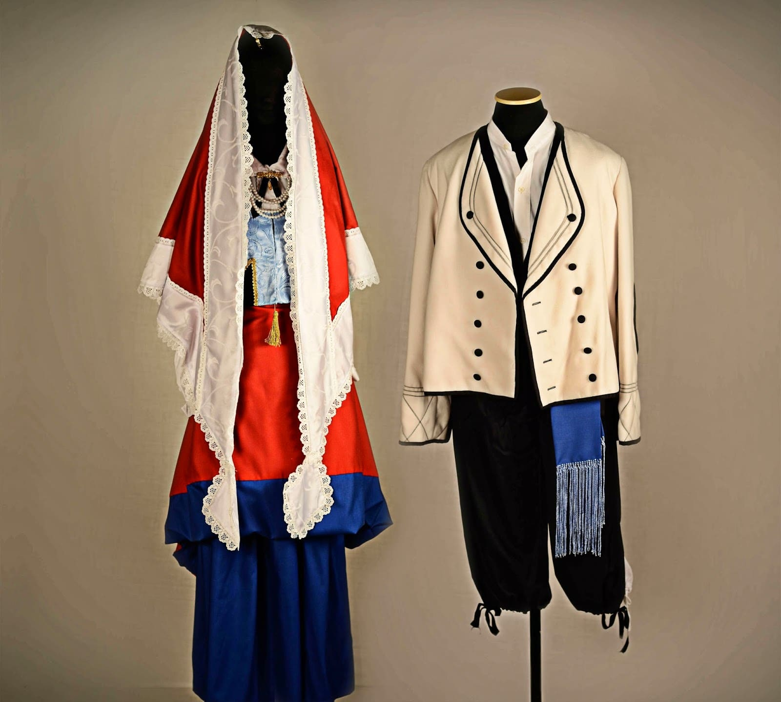 trajes-vascos-exposicion-argentina-2