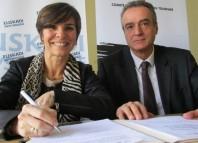 Miren Arantza Madariaga Aberasturi, directrice de Basquetour et André Berdou, président du CDT Béarn Pays basque. © f. m.