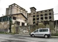 Imagen de ruinas industriales que ilustra la información sobre la crisis económica vasca en la web del sindicato italiano FIOM-CGIL