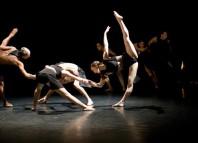 """Un monento del espectáculo """"Aureo"""" de Dantzaz en Bilbao"""