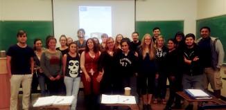 Agur Meabe y Amaia Gabantxo con los asistentes a su conferencia en la Universidad de California