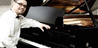 El músico indonesio Ananda Sukarlan pone a Bilbao como ejemplo al gobierno de su pais
