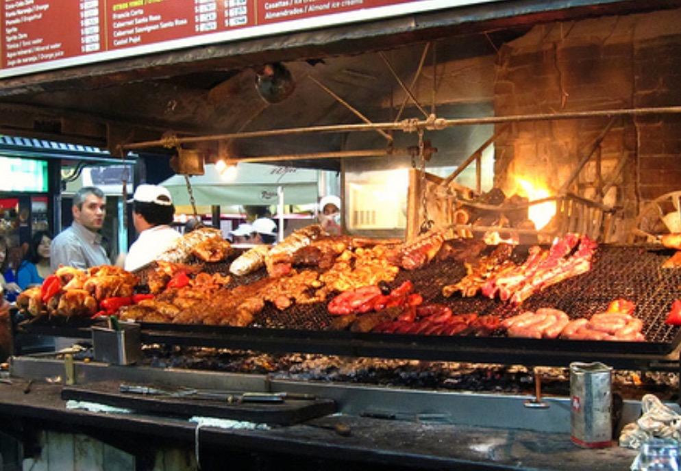 Parrilla en el Mercado del puerto - Montevideo