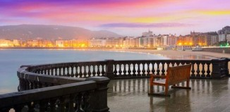 Donostia 2016 en en Hindustan Times-Shaped like a shell, the bay is home to a fine sandy beach. (Shutterstock)
