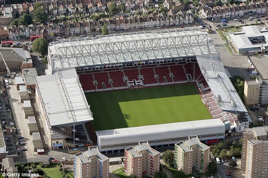 Actual estadio del West Ham de Londres. Una belleza clásica que recuerda a muchos campos vascos (ya desaparecidos o aun existentes)