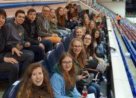 Estudiantes alemanes en un partido del Eibar