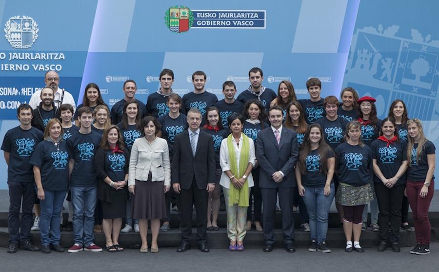 Participantes del programa Gaztemundu 2014 (fotografía: Irekia)