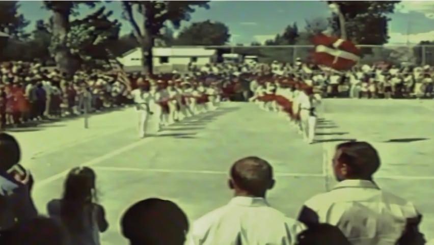 """Un fotograma del documental """"The Basque Sheepherder"""" realizado a principios de los años 70 - Festival Vasco en USA. Nos muestra una actividad de los vascos en USA que se mantiene aun vigorosa bien entrado el siglo XXI: los Festivales Vascos"""
