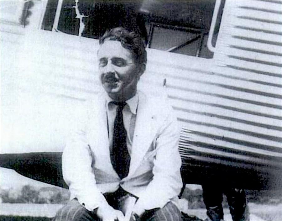 George Steer en el aeródromo de East London el 2 de noviembre de 1938