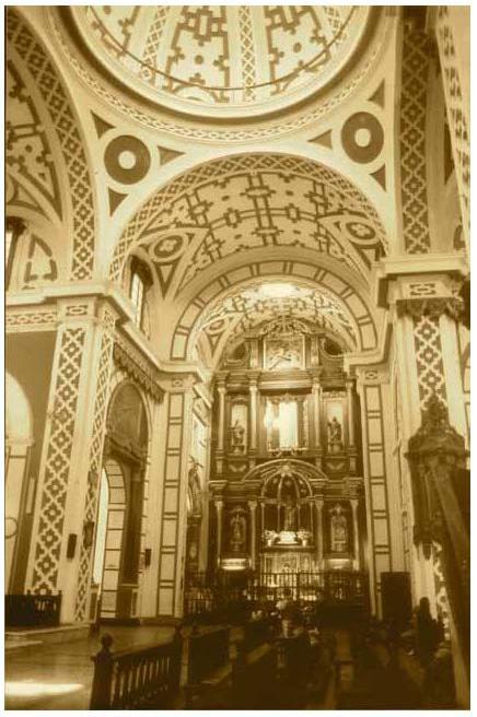 Capilla de Nuestra Señora de Aranzazu en la Iglesia de San Francisco de Lima (libroNueva visión de San Francisco de Lima deAntonio San Cristóbal Sebastián)