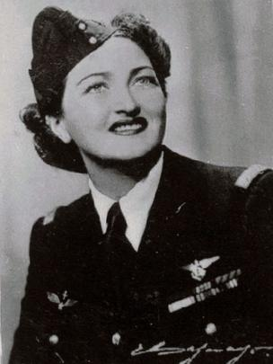 Margot Duhalde, Chilean pilot, photo courtesy the Chilean National Aeronautical and Space Museum