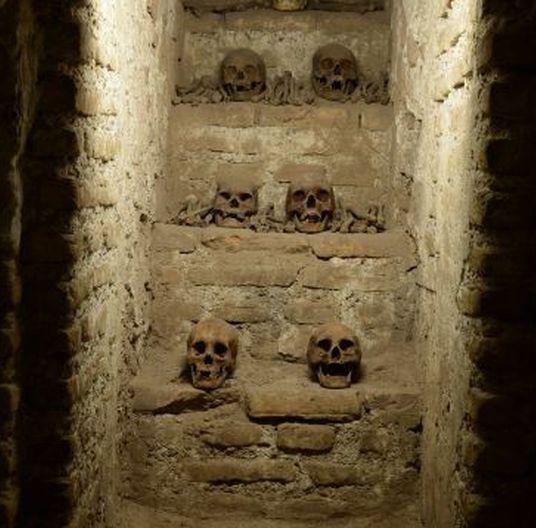 Los restos de los enterrados se convierten en una atracción turística y son expuestos